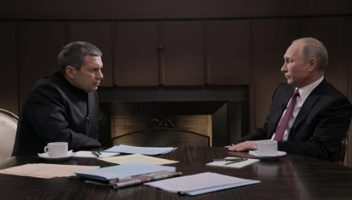 "Vladimir Solovyev interviewing Putin for the documentary ""World Order 2018"""