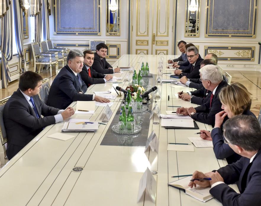 President Poroshenko meets with representatives of the G7. Photo: president.gov.ua