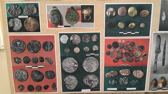 �рхеологічні артефакти