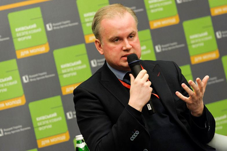 Danylo Lubkivsky speaking at the Kyiv Security Forum in 2014. Photo: openukraine.org