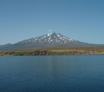 A volcano named after Bohdan Khmelnytsky, a prominent Ukrainian historical figure (1595-1657), on Iturup Island, a part of Japan's Northern Territories (Image: Wikimedia Commons)