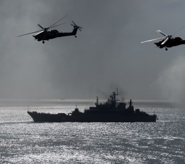 Russian naval ship and helicopters (Image: mil.ru)
