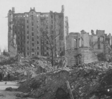 "Ruins of the ""Ginzburg Skyscraper"" destroyed by Soviet remotely-controlled explosives after the city of Kyiv was occupied by the German troops in 1941."