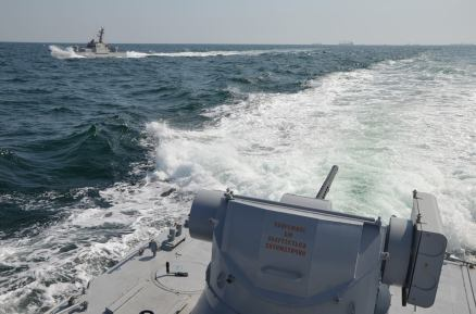 View from one of Ukrainian armoured boats during the Russian attack in the morning of 25 November . Photo: FB/navy.mil.gov.ua