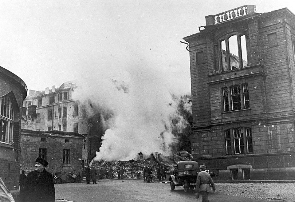 Damage from Soviet aerial bombardment of Helsinki, Finland, 1939-1940 (Photo: Finnish Army via Wikimedia Commons)