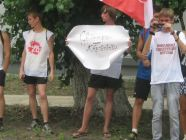 "The Russian government-sponsored youth groups like ""Nashi"" continue to promote hatred against the Jehovah's Witnesses. In this demonstration, they were wearing t-shirts declaring ""I hate the Jehovah's Witnesses"" and ""Honk if you're against the Witnesses."" (Photo: Idel.Realii - RFE/RL)"