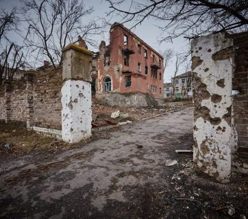 Ruins in the Donbas after the Russian military aggression in Ukraine (Photo: Flickr-UNICEF Ukraine-CC BY 2.0)