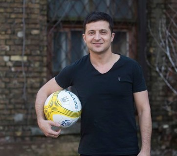 Volodymyr Zelenskyi photographed in April 2017 in support of UNICEF's second soccer tournament in Ukraine for children of internally displaced persons from the Donbas. (Photo: UNICEF Ukraine)