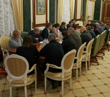 January 9 crisis meeting related to Ukraine International Airlines plane crash that took place on January 8 in Teheran, Iran. Photo: official website of the President of Ukraine
