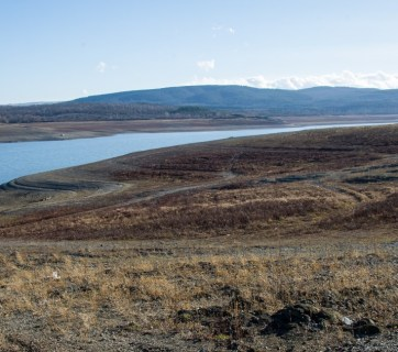 The water volume of the Simferopol Reservoir shrank to one tenth of its normal size (Image: znak.com)