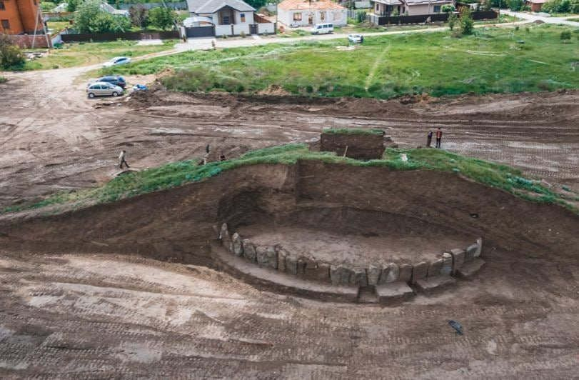 arkheolohy_pid_dniprom_znaishly_kurhan_v