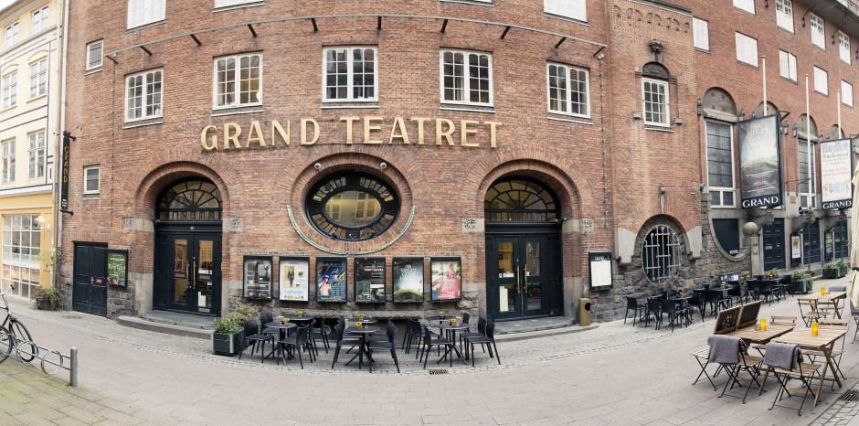 Grand Teatret Facade rund