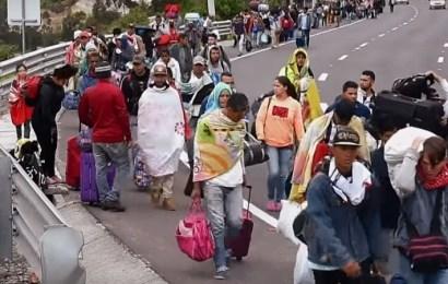 """La crisis de los migrantes venezolanos se dirige hacia un """"momento de crisis"""" comparable a los refugiados en el Mediterráneo, dice la ONU"""
