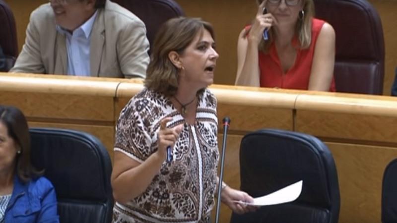 La ministra de justicia, Dolores Delgado, en la cuerda floja