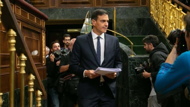 El presidente del Gobierno, Pedro Sanchez, comparece ante el Pleno del Congreso para informar sobre los acuerdos alcanzados en el Consejo Europeo y la venta de armas a Arabia Saudi