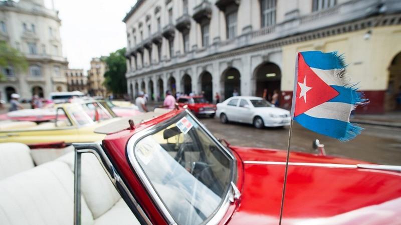 Pedro Sanchez vista Cuba en viaje oficial
