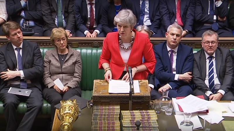 La primera ministra británica, Theresa May, ante la Cámara de los Comunes.