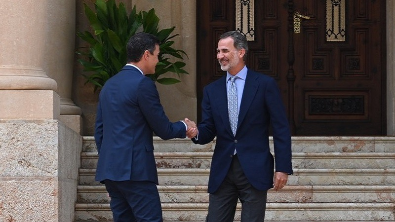 Pedro Sánchez traslada al rey Felipe VI la necesidad de que en España se forme Gobierno cuanto antes
