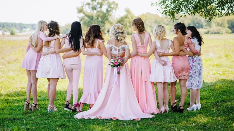 Elegir el mejor vestido para las damas de honor