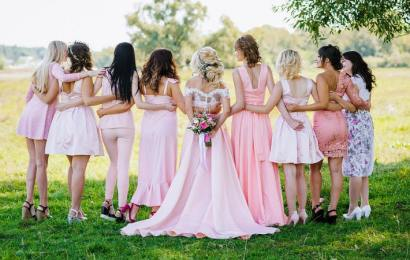 Consejos para elegir el mejor vestido para las damas de honor