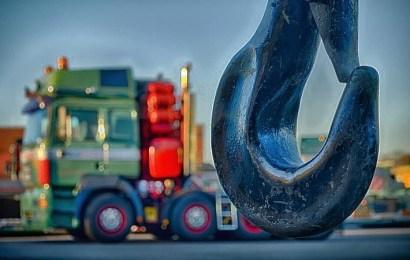Traslado y movimiento de maquinaria industrial