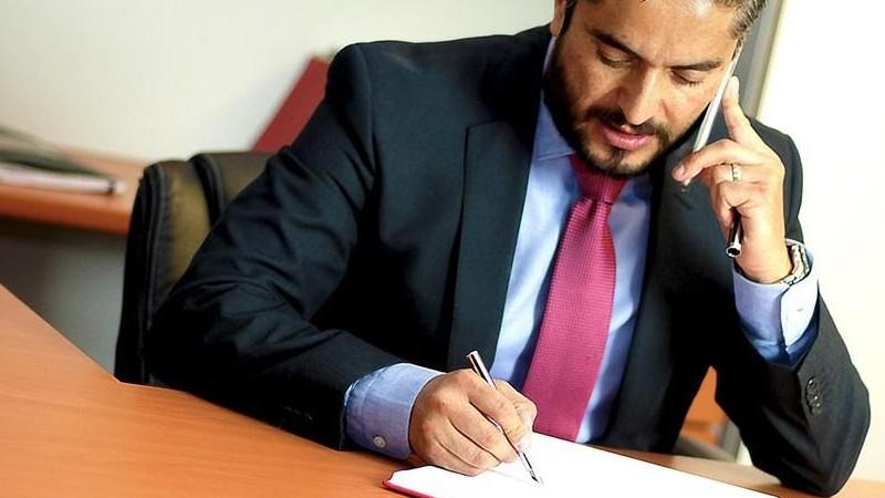 Contratar a un abogado laboralista en Sevilla