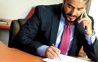 Contratar a un abogado laboralista en Sevilla: qué saber