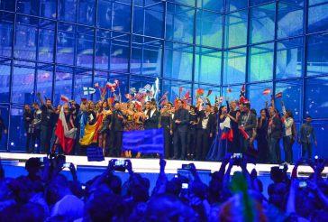 The ten winners on stage