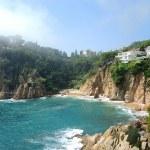 絶壁からの景色と碧い海!隠れた絶景スポット、ジローナ県の小さな村「Blanes」(ブラネス)