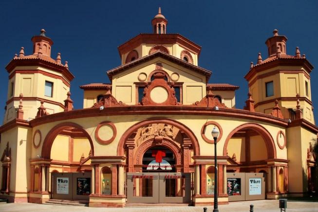 Front-Teatre-Lliure-Barcelona.jpg