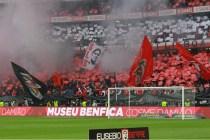 Los seguidores del Benfica rindieron un gran homenaje a Eusebio en el clásico contra Oproto (Foto Benfica)
