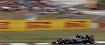 ***corrige autor***GRA249. MONTMELÓ (BARCELONA), 10/05/2015.- El piloto británico de Mercedes Lewis Hamilton durante el Gran Premio de España de Fórmula Uno celebrado hoy en el Circuito de Catalunya en Montmeló (Barcelona). EFE/Alberto Estévez