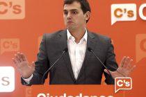 GRA128 MADRID, 09/05/2016.- El líder de Ciudadanos, Albert Rivera, durante la rueda de prensa que ha ofrecido tras la reunión de la Ejecutiva Nacional del partido hoy en su sede de Madrid. EFE/Paco Campos