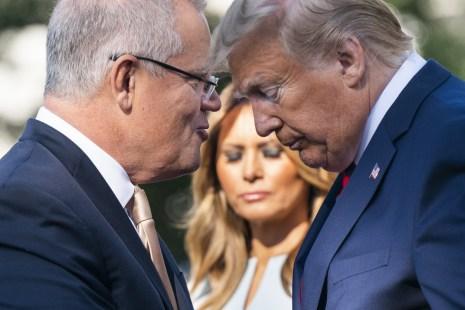 Scott Morrison (izquierda) habla con Donald Trump, durante una ceremonia de la Casa Blanca. Foto: Bloomberg