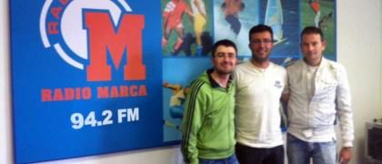 Carlos Sánchez junto a Israel Díaz y Hugo. Equipo de Radio Marca Cantabria.