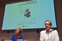 Ana Alonso, exdirectora de Internacional de El Mundo, junto a Fernando Ávila durante su conferencia