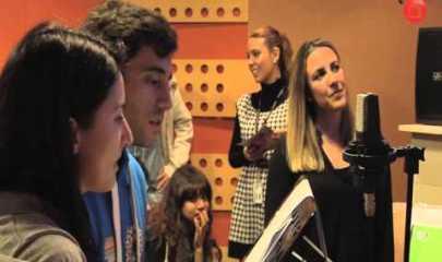 Video thumbnail for youtube video Clase de doblaje con la actriz y directora Silvia Sarmentera