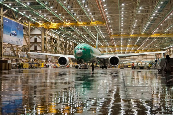 Factory Roll-out (© Boeing)