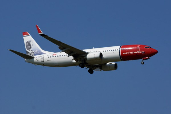 Norwegian Air Shuttle Boeing 737-800