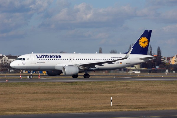Lufthansa Airbus A320 with Sharklets (© O. Pritzkow)