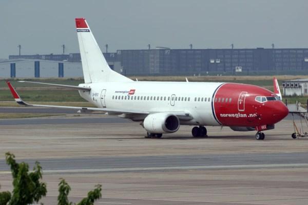 Norwegian Boeing 737-300WL (© O. Pritzkow)