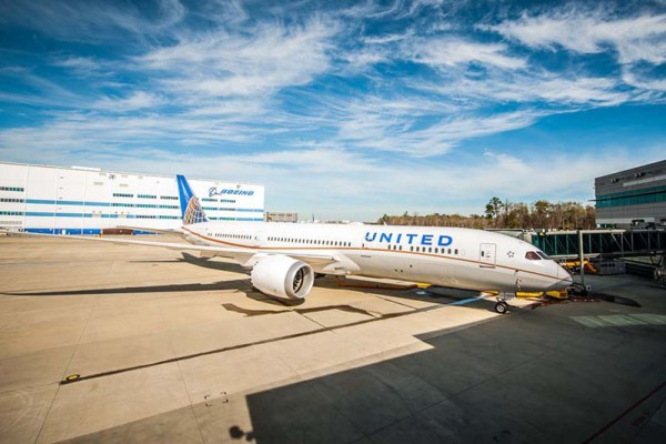 United Boeing 787-9 at Boeing's South Carolina fascility (© Boeing)