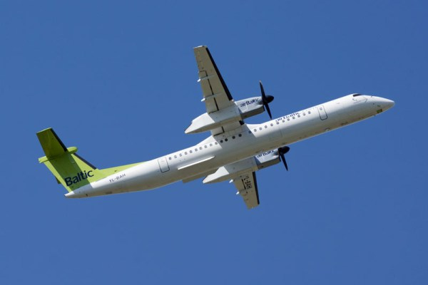 airBaltic Bombardier Q400 (© O. Pritzkow)