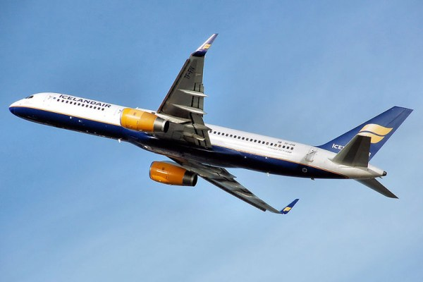 Icelandair Boeing 757-200 with winglets (PD Arpingstone)