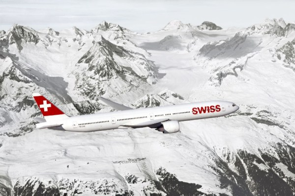 Boeing 777-300ER in the livery of SWISS (© Boeing)