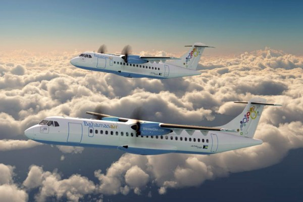 ATR72-600 (front) and ATR42-600 in the livery of Bahamasair (© ATR)