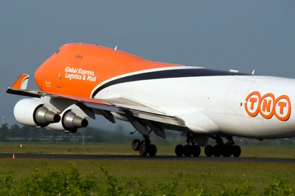 TNT Airways 747-400F (CC BY-SA 2.0 Brian)