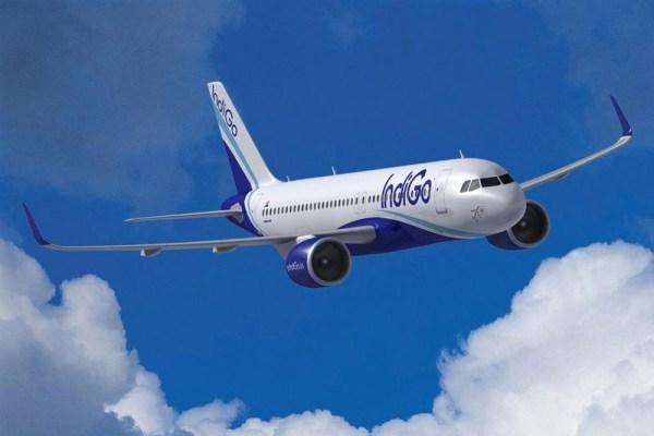 Illustration eines Airbus A320neo in den Farben der IndiGo (© Airbus)