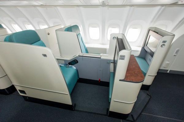 Korean Air Business Class in der Boeing 747-8I (© Boeing)