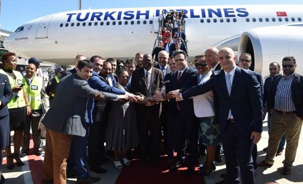 Begrüßung der Turkish Airlines in Durban am 5.11.2015 (© THY)